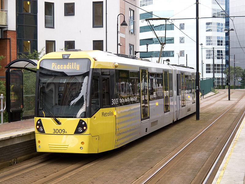 """En en Reino Unido, en Manchester, """"Metrolink"""" tiene tranvías de Bombardier y Vossloh Kiepe."""