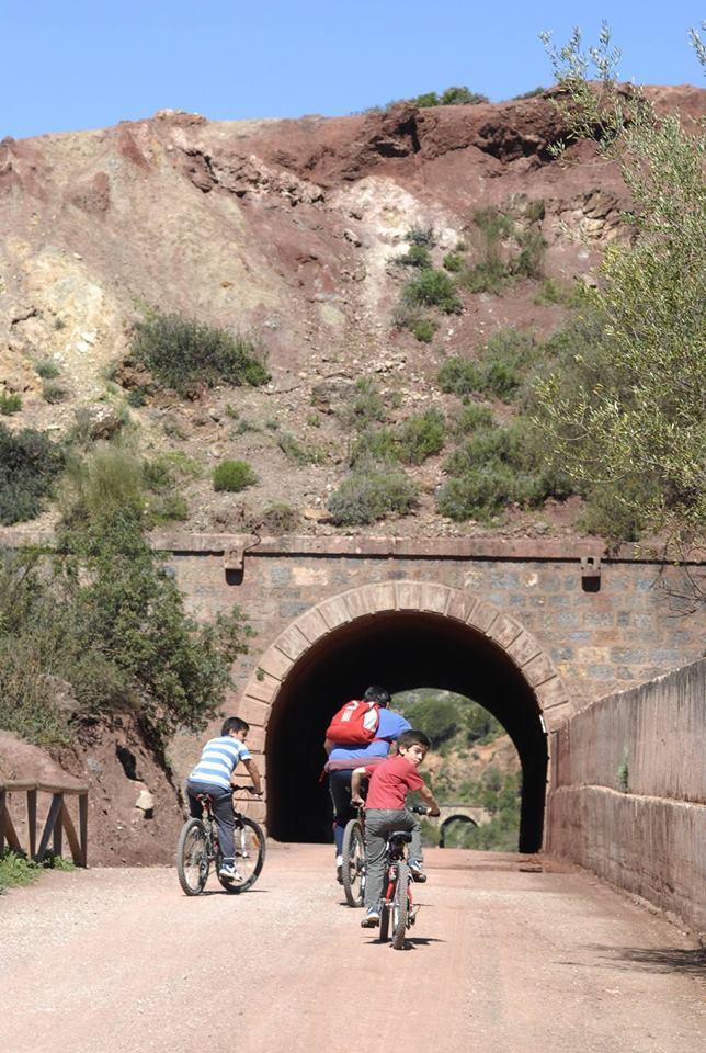 ¿Te apetece una jornada al aire libre? Visita la Vía Verde de la Sierra Norte